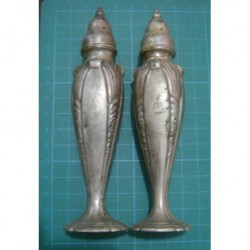 salt and pepper shakers_1