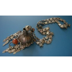 PENDANT AND CHAIN OBJECT_09